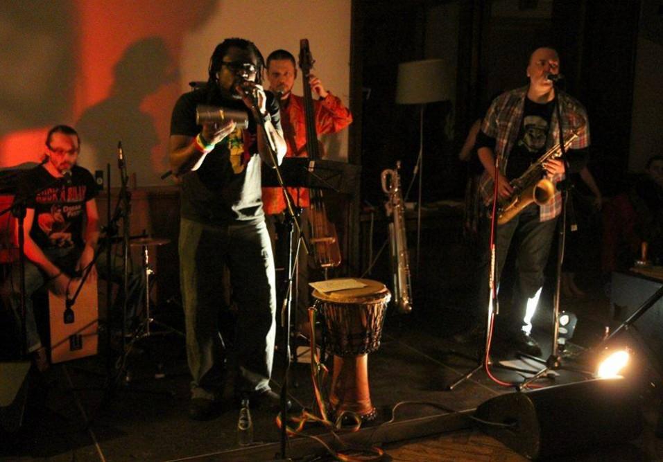 Wydarzenia Mamadou Diouf Sama Yoon Concert At Wypieki Kultury
